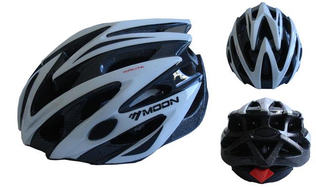 CSH29B-L bílá cyklistická helma velikost L (58/61 cm) 2018